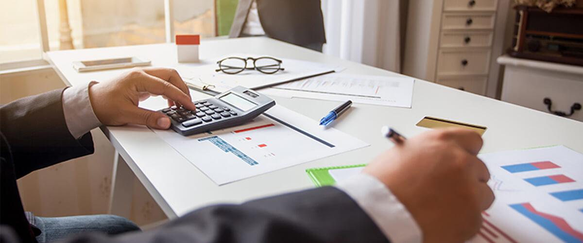 O custo financeiro é maior com processos manuais